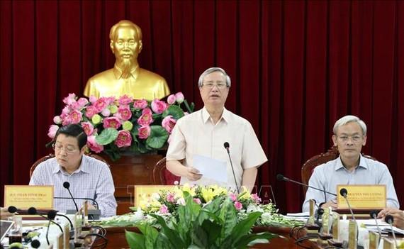 Thường trực Ban Bí thư Trần Quốc Vượng phát biểu chỉ đạo tại buổi làm việc. Ảnh: TTXVN