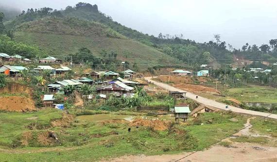 Nhiều khu vực bị sạt lở của huyện Nam Trà My được chính quyền địa phương tập trung giải quyết để đảm bảo người dân yên tâm đón tết