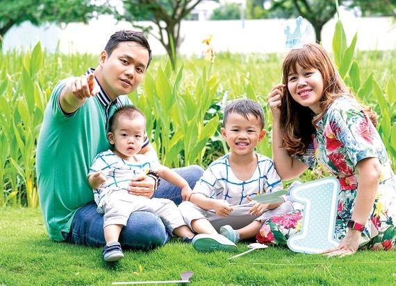 Gia đình hạnh phúc hay không, tùy thuộc vào suy nghĩ  và hành động của cha mẹ                                                                .     Ảnh: HOÀNG HÙNG