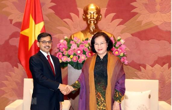 Chủ tịch Quốc hội Nguyễn Thị Kim Ngân tiếp Đại sứ Ấn Độ tại Việt Nam Pranay Verma. Nguồn: TTXVN