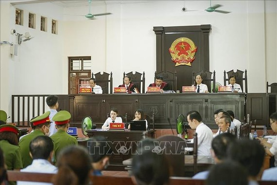 Quang cảnh phiên tòa xét xử sơ thẩm. Ảnh: TTXVN