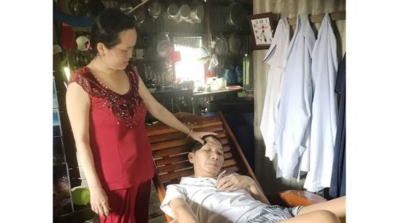 Vợ chồng nghèo bệnh nặng