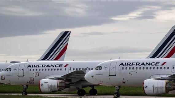 Máy bay của Hãng hàng không Air France tại sân bay Charles de Gaulle ở Paris, Pháp. Nguồn: TTXVN