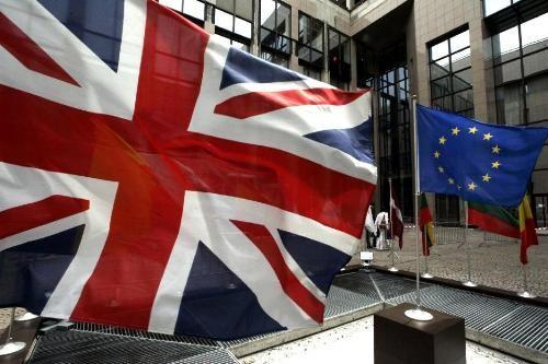 Do ảnh hưởng của dịch, một số nước như Anh, Italy, Ba Lan, Indonesia, Sri Lanka… đã quyết định dời các cuộc bầu cử thêm nhiều tháng