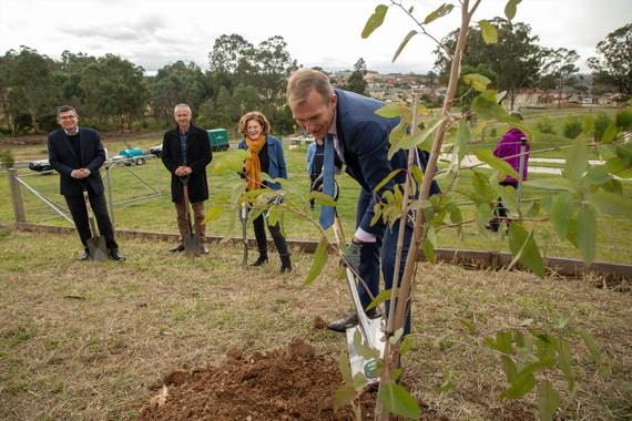 Chiến dịch trồng cây xanh tại Australia vừa khởi động tại thành phố Sydney. Ảnh: ECOVOICE