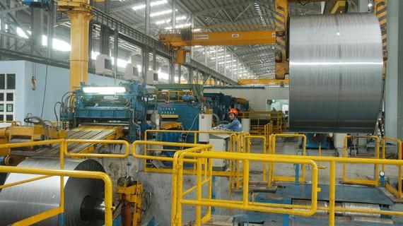 Sản xuất thép tại Công ty Thép miền Nam. Ảnh: CAO THĂNG