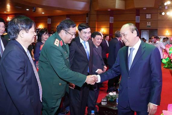 Thủ tướng Nguyễn Xuân Phúc với các đại biểu dự kỷ niệm 75 năm Ngày thành lập  Đài Tiếng nói Việt Nam (7-9-1945 _ 7-9-2020). Ảnh:TTXVN