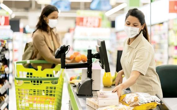 Đồ ăn vặt không tốt cho sức khỏe sẽ bị cấm bán  tại khu vực thanh toán của siêu thị