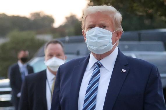 Tổng thống Donald Trump đã ngừng dùng thuốc điều trị Covid-19. Nguồn: REUTERS