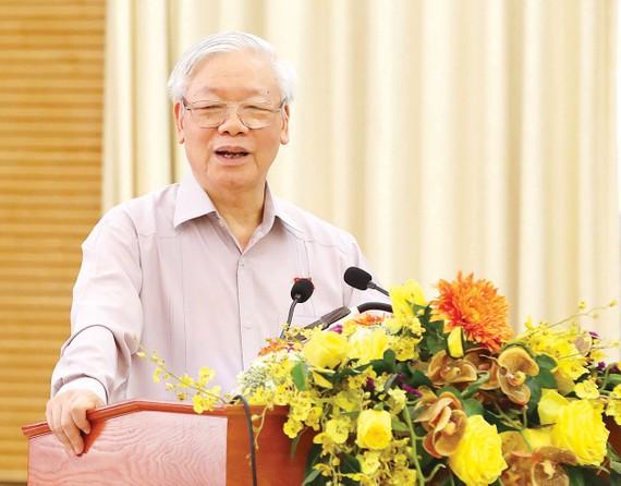 Tổng Bí thư, Chủ tịch nước Nguyễn Phú Trọng phát biểu  tại hội nghị tiếp xúc cử tri các quận Hoàn Kiếm, Ba Đình  và Tây Hồ, TP Hà Nội.  Ảnh: VIẾT CHUNG