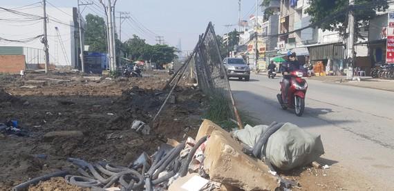 Việc thi công ì ạch tuyến đường Lương Định Của ảnh hưởng đến cuộc sống người dân