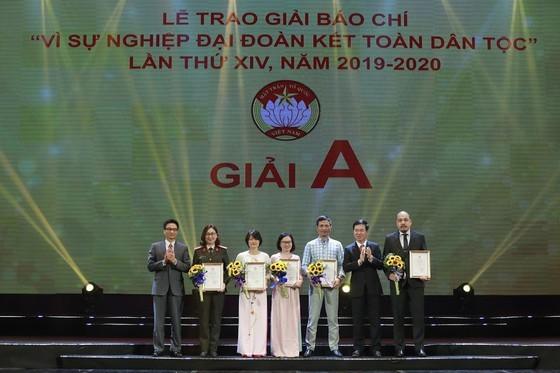 Trao giải cho các tác giả đoạt giải A