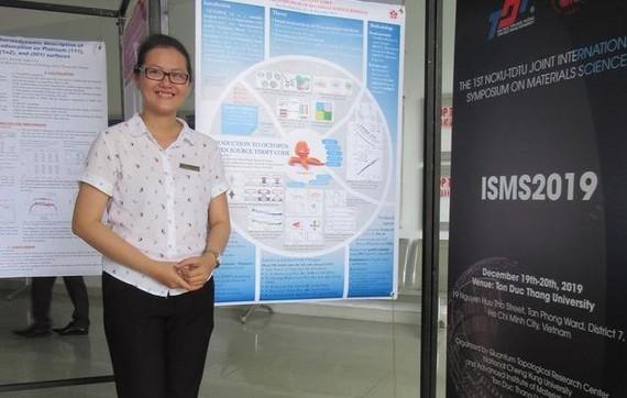 Nhà khoa học nữ 32 tuổi nhận giải thưởng Nghiên cứu trẻ xuất sắc về Vật lý. Nguồn: ZING