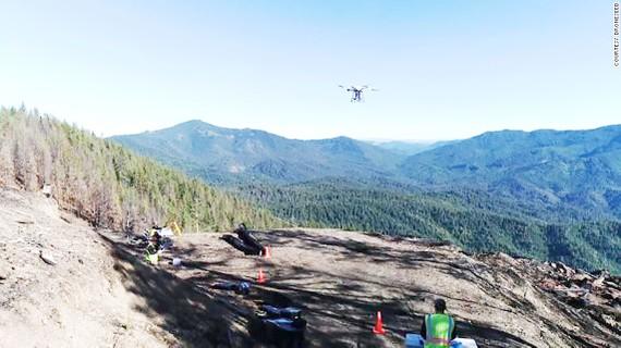 Dùng drone trồng rừng