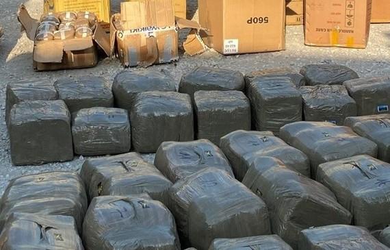 Số ma túy là cần sa ép thành bánh bị thu giữ. Ảnh: Công an TP Hải Phòng cung cấp