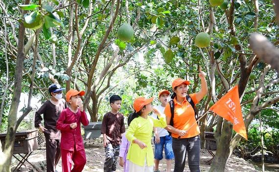 Đoàn khách nhí ở TPHCM tham quan Cù lao Lân (Tiền Giang)