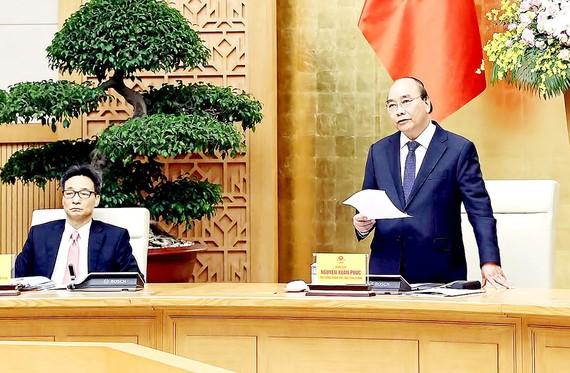 Thủ tướng Nguyễn Xuân Phúc, Chủ tịch Ủy ban Quốc gia về Chính phủ điện tử, phát biểu kết luận cuộc họp