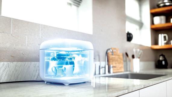 Hộp khử trùng Philips UV-C bất hoạt virus trên vật dụng gia đình