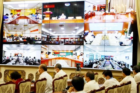 Ban Chỉ đạo Phòng chống dịch Covid-19 TPHCM họp giao ban trực tuyến  với các sở, ngành và địa phương Ảnh: TTBCTP cung cấp - Hoàng Hùng biên tập