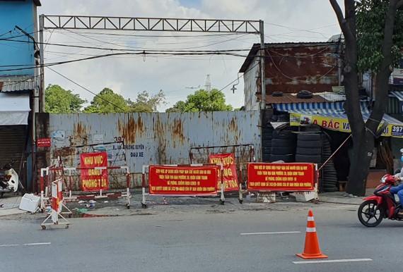 Phong tỏa bãi xe 397 đường Đinh Bộ Lĩnh