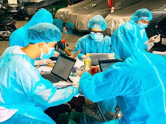 Sinh viên tham gia phòng, chống dịch Covid-19
