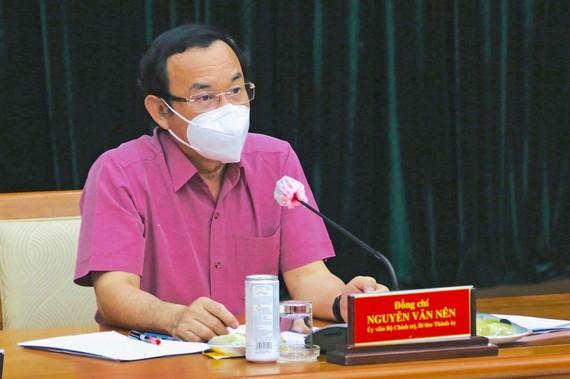 Bí thư Thành ủy TPHCM  Nguyễn Văn Nên  phát biểu kết luận hội nghị