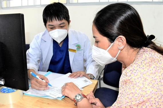 ThS-BS Trần Tuấn Thành, Trung tâm Phục hồi chức năng vật lý trị liệu  hậu Covid-19, Bệnh viện Lê Văn Thịnh (TP Thủ Đức) tư vấn điều trị hậu Covid-19