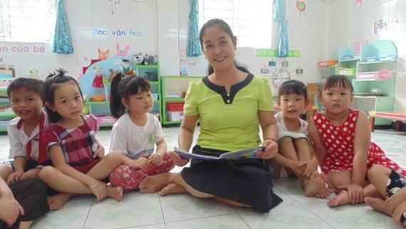 Giáo viên mầm non ngoài kiến thức về chuyên môn, nghiệp vụ cần được bổ sung kỹ năng quản lý cảm xúc khi gần gũi, chăm sóc trẻ