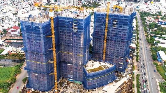 Dự án Sunrise City View (TPHCM) do Hòa Bình làm thầu chính vẫn đang được triển khai thi công đúng tiến độ