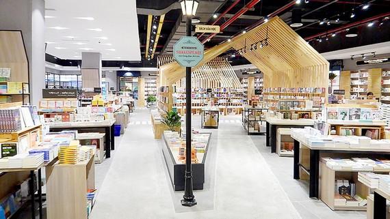 Bên trong Thành phố sách Phương Nam Book - Vạn Hạnh Mall