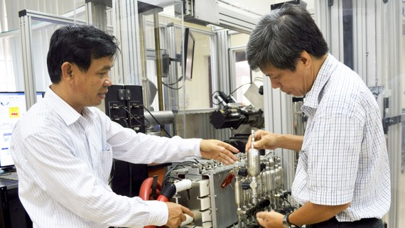 Doanh nghiệp luôn cần thiết bị, công nghệ mới để tăng năng suất hàng hóa. Ảnh: Nguyễn Hân
