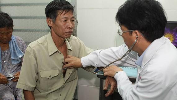 Bệnh nhân khám và điều trị tại Trạm Y tế phường Bình Chiểu (quận Thủ Đức)