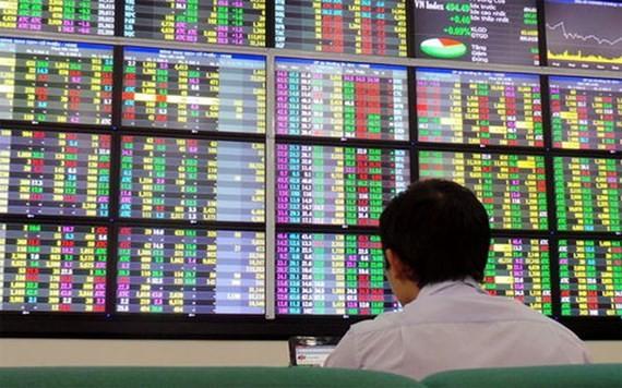 VN-Index giảm thêm gần 12 điểm