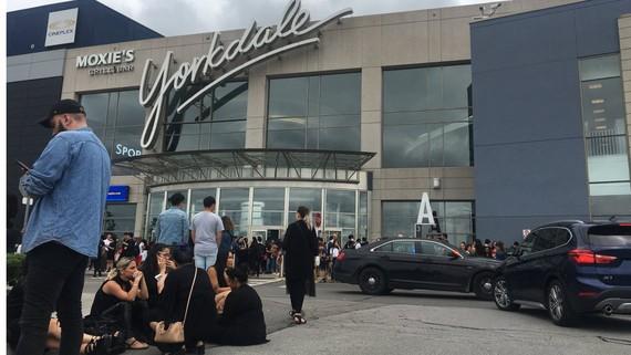 Trung tâm thương mại Yorkdale - nơi xảy ra vụ nổ súng. Ảnh: Twitter