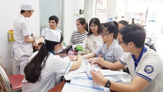 Khám sức khỏe tổng quát đầu năm học 2018-2019 cho các sinh viên