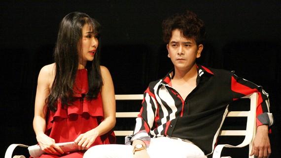 Một cảnh trong vở kịch Đẹp bất chấp của sân khấu 5B Võ Văn Tần