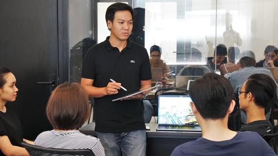 Công ty Ami giới thiệu nền tảng số cho khu đô thị thông minh. Ảnh: HOÀNG HÙNG