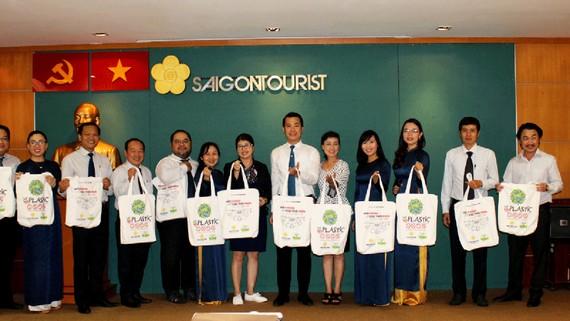 Tổng Công ty Du lịch Sài Gòn phát động chiến dịch mới nhằm hạn chế rác thải nhựa