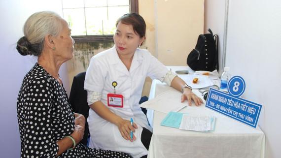 Đoàn đã khám chữa bệnh miễn phí cho 500 người dân khó khăn xã Khánh An