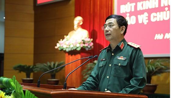 Thượng tướng Phan Văn Giang phát biểu tại hội nghị. Ảnh: BQP