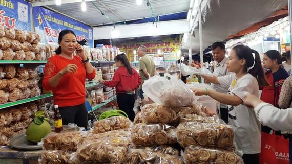 Hội chợ tổ chức tại các vùng nông thôn, luôn thu hút người tiêu dùng