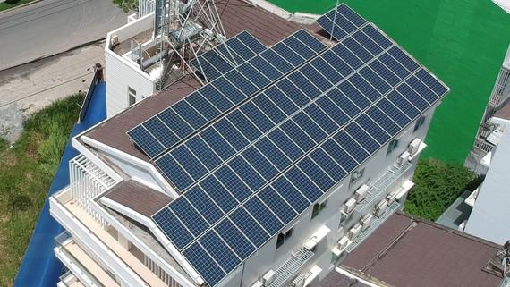 Nhà dân tại TPHCM sử dụng điện mặt trời áp mái