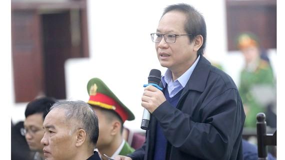 Bị cáo Trương Minh Tuấn nói lời sau cùng tại phiên tòa sơ thẩm. Ảnh: TTXVN