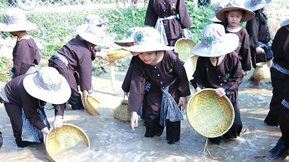 Dragon Farm trình làng