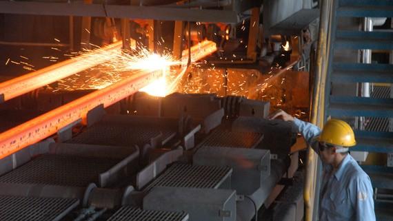 Sản xuất thép chiếm tỷ lệ cao trong hàng hóa bị điều tra, áp dụng biện pháp phòng vệ thương mại. Ảnh: CAO THĂNG