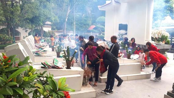 Ngã ba Đồng Lộc đón hàng ngàn lượt du khách đầu xuân