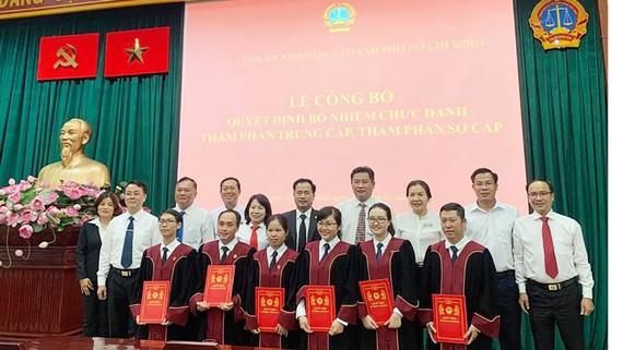 Những gương mặt trẻ vừa được bổ nhiệm thẩm phán ngày 10-2