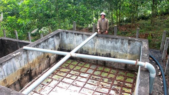 Nhà máy cấp nước sinh hoạt ở xã Đức Lạng  bị bỏ hoang nhiều năm nay