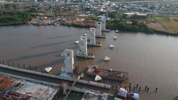 Công trình chống ngập Mương Chuối (TPHCM) có tính đến yếu tố biến đổi khí hậu đang được thi công. Ảnh: CAO THĂNG
