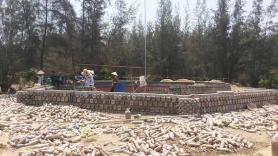 Độc đáo ngôi chùa được xây bằng 60.000 vỏ chai nhựa ở Quảng Ngãi